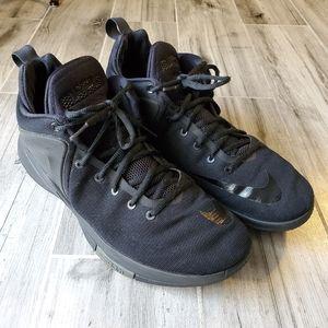 Nike   Lebron Witness Men's Basketball Shoe